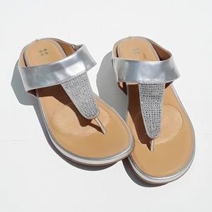 Naturalizer Yippee Silver Sparkle Sandal 8M